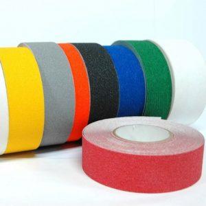 Her ser en et utvalg av gulvtape farger av type BP1417300 og BP1417305 og BP1417305
